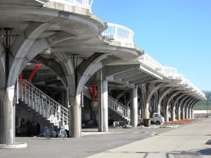 緊急避難用高台 人工地盤「望海橋」